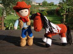 Le cow boy et son cheval, amigurumi au crochet