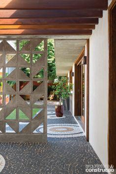 Modern Landscape Wall Cinder Blocks Ideas For 2019 Modern Architecture House, Architecture Details, Cinder Block Walls, Cinder Blocks, Breeze Block Wall, Wall Design, House Design, Cozy Backyard, Partition Design