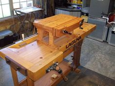 How to Choose the Perfect Workbench - Easy Becker Diy Woodworking Woodworking Bench Vise, Woodworking Workbench, Woodworking Projects, Woodworking Books, Workbench Designs, Workbench Plans, Shop Work Bench, Wood Pallets, Wood Projects