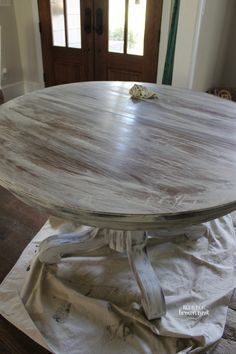 Achieve Restoration Hardware weathered white finish with Annie Sloan paint by marian Refurbished Furniture, Repurposed Furniture, Furniture Makeover, Coaster Furniture, Furniture Projects, Diy Furniture, Rustic Furniture, Furniture Dolly, Furniture Stores