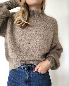 Ballon-Strickjacke Woman Knitwear and Sweaters 3 squared knit woman sweater pattern Winter Sweaters, Sweater Weather, Sweaters For Women, Winter Coats, Winter Clothes, Sweater Outfits, Fall Outfits, Big Sweater, Mohair Sweater