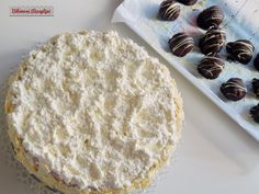 Bibimoni Receptjei: Rumos meggyes gesztenyetorta Vanilla Cake, Food, Meals, Yemek, Eten