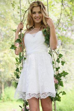 id es robes on pinterest robes mariage and wedding dressses. Black Bedroom Furniture Sets. Home Design Ideas