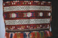 Portul popular din zona Bistrița – Etnotique Folk Costume, Costumes, Bohemian Rug, Popular, Quilts, Blanket, Floral, Home Decor, Decoration Home