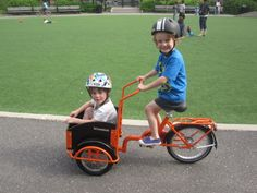 mini people on mini cargo bike!
