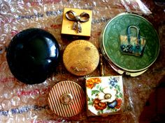 Ones to sell - vintage powder compacts, pill box and cig box.
