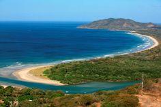 Disfrute sus vacaciones en la hermosa playa de Tamarindo en Costa Rica