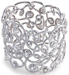 Fabergé , bracelet marzuka  en or blanc et diamant.