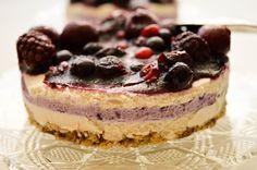 Vegan Forest Fruits Cake - I Rawck Vegan Fruit Cake, Rum Fruit Cake, Chocolate Fruit Cake, Fresh Fruit Cake, Raw Vegan Desserts, Fruit Birthday Cake, Fruit Wedding Cake, Fruit Cake Design, Forest Fruits