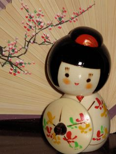 Kokeshi. Love these lil wooden dolls