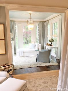 Based in Spring Hill, TN area, I specialize in custom interior design and online interior design that transforms your house into a home. Southern Homes, Southern Living, Interior Design Inspiration, Home Interior Design, Interior Modern, Kitchen Interior, Home Bedroom, Bedroom Decor, Master Bedroom