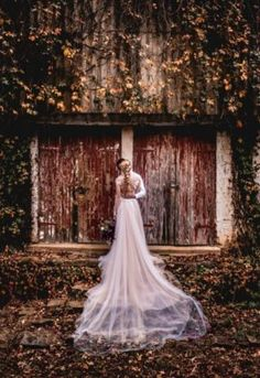 Our autumnal style shoot embraced the deep hues and colours of the changes of the . Beautiful Bride, Beautiful Dresses, Nostalgia Photography, Place To Shoot, Autumn Harvest, Seed Pods, Sugar Flowers, Floral Style, Autumnal