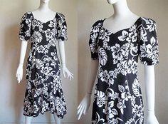 Vintage JaneM Hibiscus Floral Print w Flounce Hem Hawaiian MuuMuu Dress M L $20 offered by funquejunque