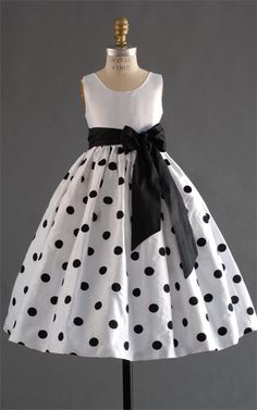 GIrl's black and white polka dot dress Little Dresses, Little Girl Dresses, Girls Dresses, Flower Girl Dresses, Flower Girls, Baby Dresses, 50s Dresses, Elegant Dresses, Pretty Dresses