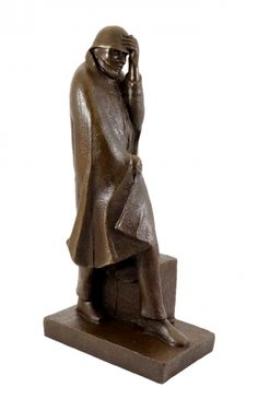 Bronze statue - Wanderer in the Wind (1934) - Ernst Barlach