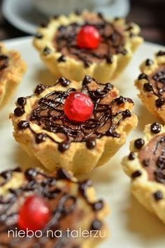 Fesenjan: A Persian Culinary Crown Jewel Sugar Free Desserts, Lactose Free, Confectionery, Soul Food, Food To Make, Cheesecake, Cooking Recipes, Cookies, Baking