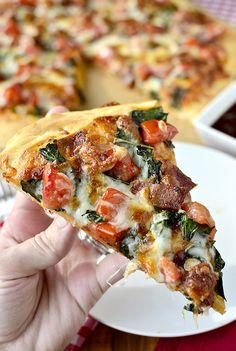 BBQ BLT Pizza   iowagirleats.com