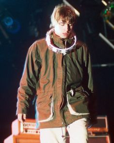 Worthy threads: Glastonbury's performers' standout fashion – in pictures Lennon Gallagher, Liam Gallagher Oasis, Noel Gallagher, Liam Gallagher 1994, Oasis Brothers, Liam Oasis, Oasis Live, Oasis Music, Oasis Band