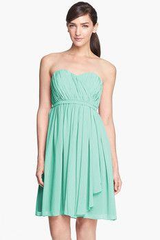 Donna Morgan Donna Morgan 'Lindsey' Pleated Sweetheart Neckline Chiffon Dress