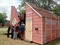 """""""Open House"""" is artist Matthew Mazzotta's latest invention: a compact, faded pink house that unfolds into a ten-piece outdoor theater that seats nearly 100 people. Public Theater, Outdoor Theater, Theater Seating, Pink Houses, Abandoned Houses, Beautiful Space, Renting A House, Architecture Details, Open House"""