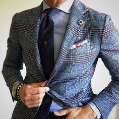 The Debonair Extraordinaire. Suits Ties and Bowties Der Gentleman, Gentleman Style, Sharp Dressed Man, Well Dressed Men, Mens Fashion Suits, Mens Suits, Style Costume Homme, Mode Costume, Look Formal