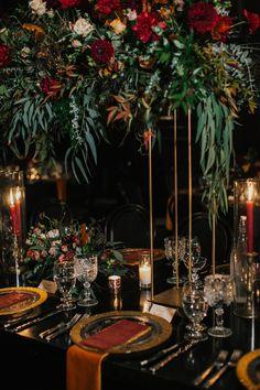 Green And Burgundy Wedding, Burgundy And Gold, Red Wedding, Wedding Table, Wedding Colors, Wedding Reception, Bouquet Wedding, Wedding Things, Wedding Ideas