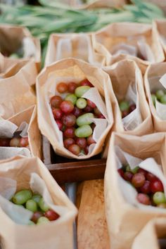 Vintage wedding. Creative way to package grapes.