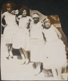 [ LIFE AS A FLAPPER | 1920s ]   A group of African American flappers posing for the camera, 1920sCourtesy of King Kong Photo