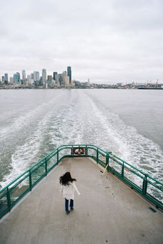 The best way to travel by Ferry to seattle. On the Puget Sound, enjoy a trip across the ocean to explore new places in the greater seattle area. Bainbridge Island Ferry, Bainbridge Island Washington, Washington Things To Do, Seattle Washington, Washington State, Seattle Photography, Travel Photography, Photography Ideas, Fashion Photography
