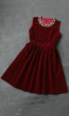 Elegant nail bit velvet dress wine red