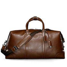 Una maleta de fin de semana | 40 Cosas que todo hombre mayor de 30 años debería tener