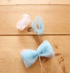 Sparkle Tulle Bows Neutrals Tulle bow by OrangeYouPeachy on Etsy Tulle Hair Bows, Big Hair Bows, Pink Headbands, Ribbon Hair, Cute Crafts, Crafts For Kids, Girls Hair Accessories, Baby Bows, How To Make Bows