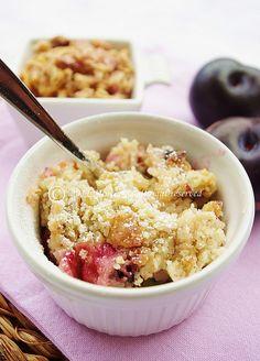 1 Crumble di susine, nocciole e Muesli Croccante ai frutti di Bosco by MentaeCioccolato, via Flickr