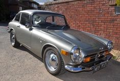 Learn more about Surprising Headroom: 1969 Honda Coupe on Bring a Trailer, the home of the best vintage and classic cars online. Honda Pilot, Honda Cars, Honda Motorcycles, Automobile, Honda Motors, Engin, Japan Cars, Top Cars, Small Cars