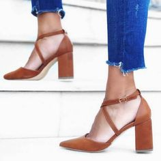 Γόβα Mabel χιαστί ταμπά Pumps, Heels, Fashion, Heel, Moda, La Mode, Pump Shoes, Pumps Heels, Fasion