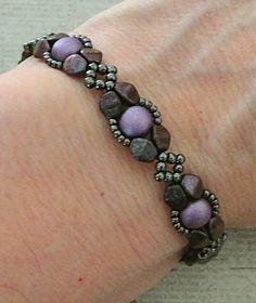 Linda's Crafty Inspirations: Bracelet of the Day: Presa Linda Variation - Hematite & Orchid