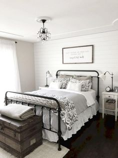 30+ Awesome Ideas to Convert Room into Farmhouse Bedroom Style