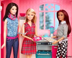 Time to get creative with tasty holiday cookies!  Barbie, December 2016