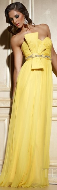 This is an exquisite creation by Terani Couture. This Hollywood styled gown has all the glitz and glamor needed for an amazing night out. The long sleek look is elegant and statuesque. Yellow Gown, Yellow Maxi, Jaune Orange, Dress Vestidos, Terani Dresses, Strapless Dress Formal, Formal Dresses, Terani Couture, Yellow Fashion