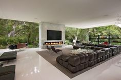 The Glass Pavilion, an ultramodern house in Santa Barbara, California by Steve Hermann