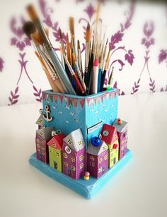 Little wood house craft Ideas for 2019 Diy Home Crafts, Fun Crafts, Crafts For Kids, Arts And Crafts, Paper Crafts, Coin Couture, Pot A Crayon, Driftwood Crafts, Wooden Art