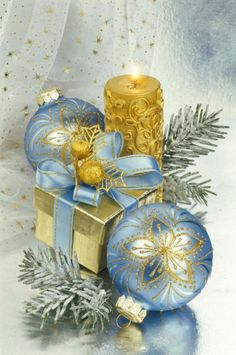 Blue and Gold Christmas - Marianna Lokshina Best Friend Christmas Gifts, Merry Christmas And Happy New Year, Blue Christmas, Christmas Wishes, Christmas Colors, Vintage Christmas, Christmas Holidays, Christmas Scenes, Christmas Pictures