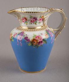 Архив аукциона №28(81) Лот 80 Предметы из чайного сервиза с цветочными гирляндами (чайник, сахарница, молочник и полоскательница) Императорский фарфоровый завод в Санкт-Петербурге 1850-е – 1870-е гг.