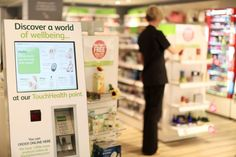 Des bornes interactives installées chez Lloyds Pharmacy au Royaume-Uni by La Minute Retail Blog #retail