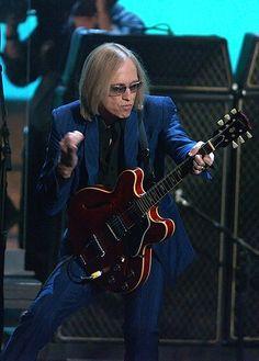 Tom Petty...lovin' the suit!
