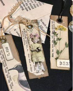 Mini Scrapbook Albums, Scrapbook Cards, Mini Albums, Vintage Diy, Vintage Tags, Shabby Chic Journal, Book Markers, Bottle Cap Crafts, Art Journal Techniques