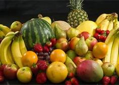 5 Great Reasons to Eat Fruit: Fruit consists largely of water, just like the human body. Fruit is bad-cholesterol free. Fruit stimulates the memory. Fruit has lots of fibre. Fruit makes you feel better. Fruit Diet, Eat Fruit, Fresh Fruit, Fruit Box, Mixed Fruit, Fruit Quiz, Veggie Diet, Fresh Figs, Fruit Snacks