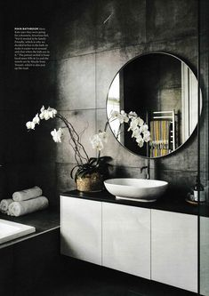 beste Badezimmer dekoration Kate and Wayne Ashford's Auckland bungalow renovation - # Beautify With Modern Bathroom Design, Bathroom Interior Design, Modern Interior Design, Bathroom Designs, Interior Ideas, Family Bathroom, Small Bathroom, Bathroom Plants, Concrete Bathroom