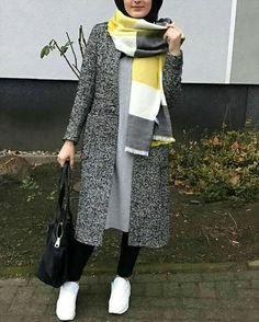 Classy Winter Coat Looks With Hijab - Zahrah Rose Modern Hijab Fashion, Street Hijab Fashion, Hijab Fashion Inspiration, Islamic Fashion, Muslim Fashion, Modest Fashion, Abaya Fashion, Style Inspiration, Hijab Casual
