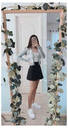 Teen Fashion Outfits, Retro Outfits, Girly Outfits, Trendy Outfits, Cute Skirt Outfits, Cute Comfy Outfits, Vetement Fashion, Spring Outfits, Winter Outfits
